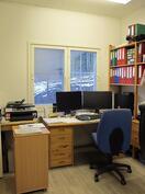 Autotalli rakennuksen työhuone 2