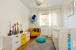 Kaikissa huoneissa neutraali värimaailma.