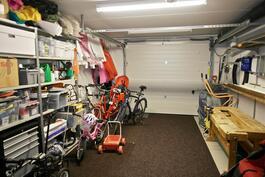 lämmin, n. 22 m2:n autotalli