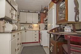 Kompakti keittiö