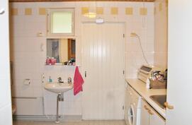 Pyykkihuollolle on hyvin tilaa pesuhuoneen yhteydessä.