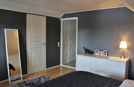 Makuuhuone 1 /yläkerta