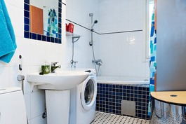 Kylpyhuone on remontoitu v. 1999.