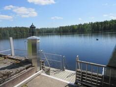 Lisäkuvaa komealta laiturilta ja Loukostenjärvi on lähdepohjainen järvi!
