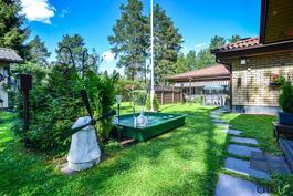 L-mallinen koti mahdoillistaa hyvät näkymät pihamaalle