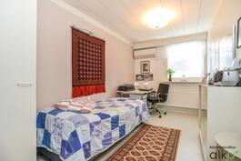Toinen makuuhuone, vaikkapa vierashuoneeksi