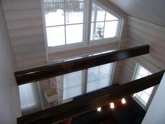 yläkerrasta alakerran suuntaan