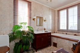 Talon pääkylpyhuone