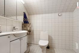 Yläkerran wc (suihku).