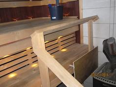 Sauna puukiukaalla, myös sähkökiuas varaus olemassa