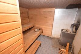 yhtiön sauna/puukiuas
