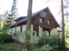 N. 1500 m2 omalla puutarhatontilla mm. omena-, kirsikka-, kriikunapuita ja ...