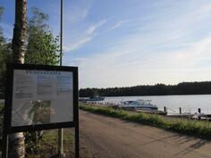 Euran kunnan Pyhäjärven pienvenesatamaan ja yleiselle hiekkauimarannalle matkaa on vain n. 2 km!