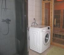 Infrapunasauna ja suihkukaappi