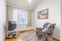 6,6 m2:n makuuhuone esim. vierashuoneeksi