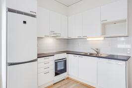 Asunnon A40 keittiö
