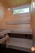 Jälkeenpäin rakennettu sauna.