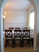 keittiöstä avattu seinä ruokailutilaan