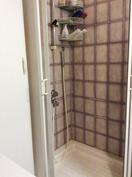 wc:ssä suihkukaappi