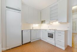 Keittiön kaapistot ja kodinkoneet uusittu 2013