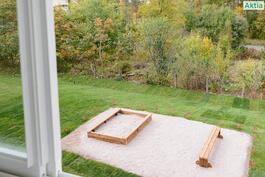 Leikkipaikka takapihalla