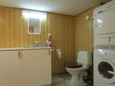 Kodinhoitohuoneessa myös wc-istuin