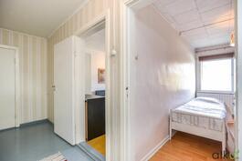 Yläkerran makuuhuoneet sijaitsevat vierekkäin