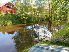 joki, uimaranta ja oma laituri