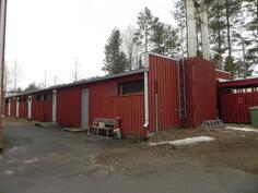 ulkorakennus jossa sijaitsevat pyykkitupa, kuivaushuone, sauna ja varastotilat