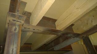 keskikerroksen lattiat on vahvasti uusittu, näkymä alustasta
