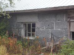 seinä ja ikkuna