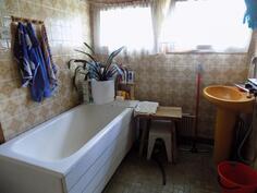Pesuhuonetta / kylpyamme
