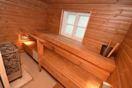 4 asunnon sauna as 1:n ak:n vieressä