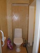 Keskikerroksen WC / suihkutila