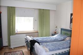 Asuinhuoneiston makuuhuone