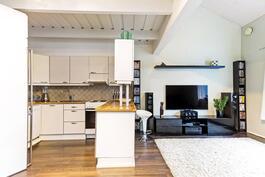 Keittiö/ olohuone