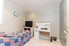 Erillinen huone/ varasto