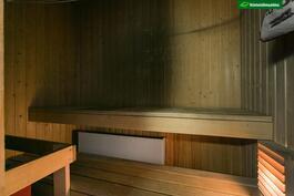 Asunnossa on oma sauna.