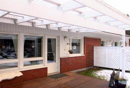 katettu terassi, josta voit nauttia myös sateisina päivinä