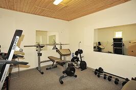 fitness-huone ulkorakennuksessa