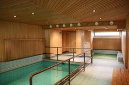 Taloyhtiöstä löytyy myös uima-allas!