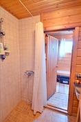 Pesuhuonetta ja pukuhuonetta