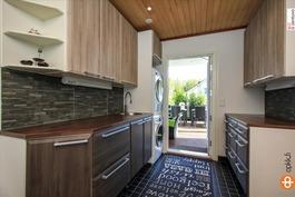 Tyylikäs ja käytännöllinen kodinhoitohuone