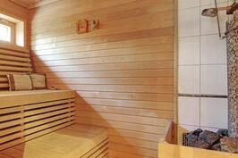 Päärakennus sauna
