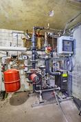 Kellaritiloissa uusittua vesikeskuslämmitystekniikkaa