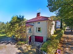 Jykevä omakotitalo erinomaisella sijainnilla - Gedigert hus med bra läge