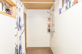 2012 remontoitu kylpyhuone