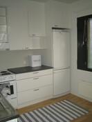Raikas ja moderni remontoitu keittiö