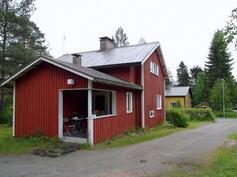 Talon sisäänkäynti on katettu