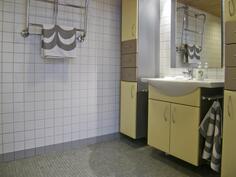 Yläkeran kylpyhuone/wc